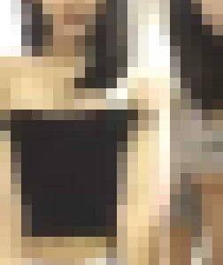 2人組がカメラの前でセクシー
